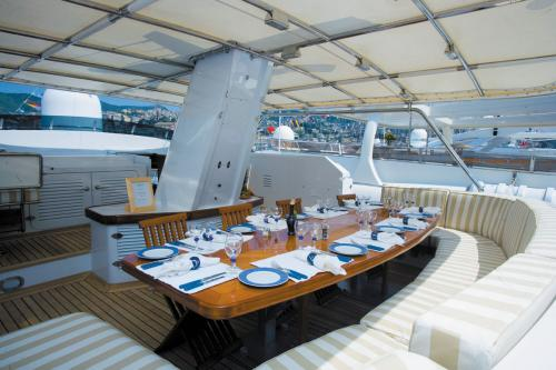 HAPPYSSIMA DEI GALLI - Luxury Motor Yacht For Sale - Exterior Design - Img 2 | C&N