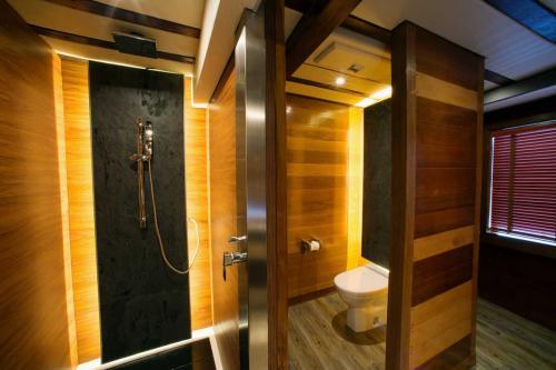 LAMIMA - Luxury Sailing Yacht For Charter - Interior Design - Img 4 | C&N
