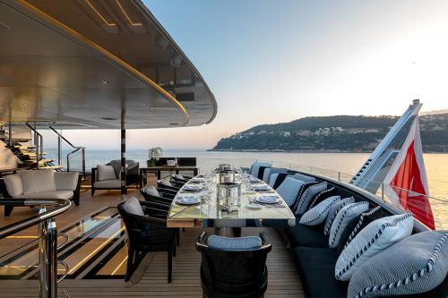SARASTAR - Luxury Motor Yacht For Charter - Exterior Design - Img 2 | C&N