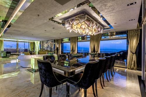 SARASTAR - Luxury Motor Yacht For Sale - Interior Design - Img 3 | C&N