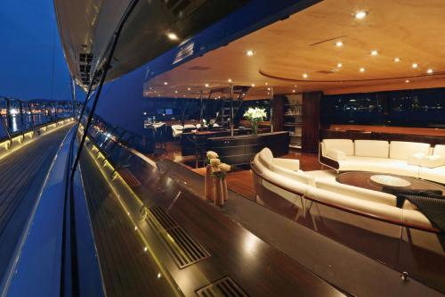 PARSIFAL III - Luxury Sailing Yacht For Charter - Interior Design - Img 5 | C&N