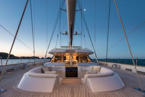 TWIZZLE - Luxury Sailing Yacht For Charter - Exterior Design - Img 3   C&N