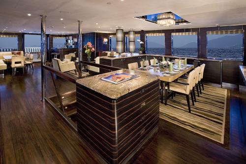 DOROTHEA III - Luxury Motor Yacht For Sale - Interior Design - Img 4 | C&N