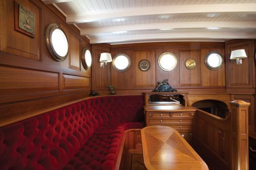 ATLANTIC - Luxury Sailing Yacht For Charter - Interior Design - Img 1 | C&N