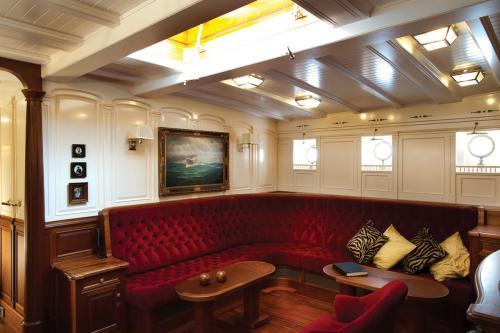 ATLANTIC - Luxury Sailing Yacht For Charter - Interior Design - Img 4 | C&N