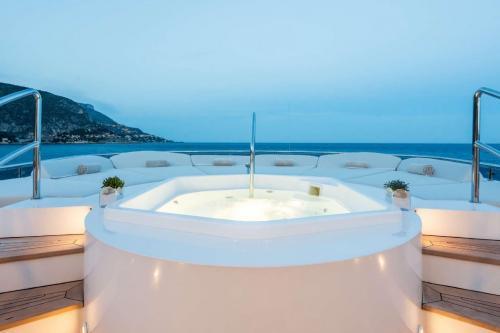 ELENI - Luxury Motor Yacht For Charter - Exterior Design - Img 3   C&N