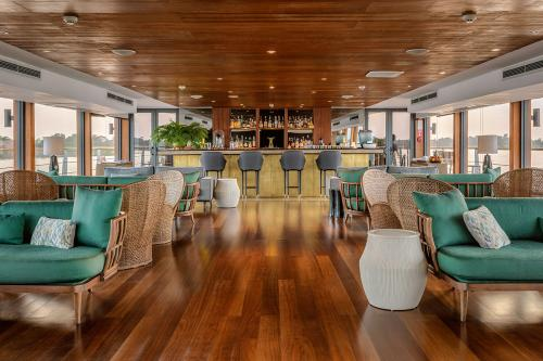 AQUA MEKONG - Luxury Motor Yacht For Charter - Interior Design - Img 5 | C&N