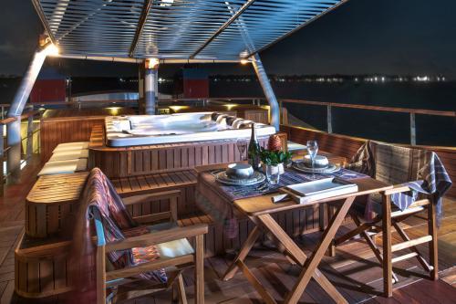 KUDANIL EXPLORER - Luxury Motor Yacht For Charter - Exterior Design - Img 2 | C&N
