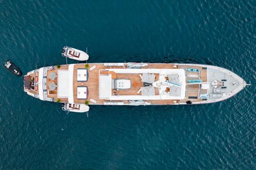 AQUA BLU - Luxury Motor Yacht For Charter - Exterior Design - Img 3 | C&N