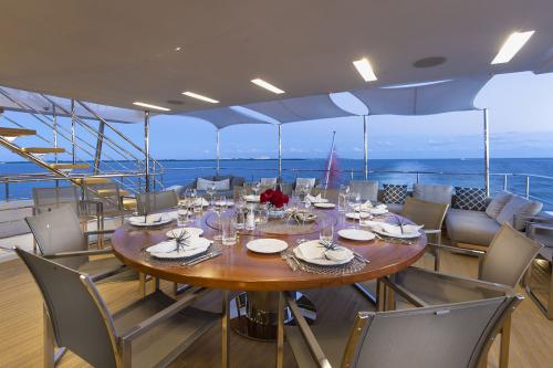 DELIBERATELY LUCKY - Luxury Motor Yacht For Sale - Exterior Design - Img 2   C&N