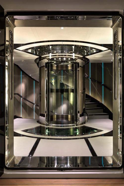Luxury Yacht Engine Room: Luxury Motor Yacht For Charter