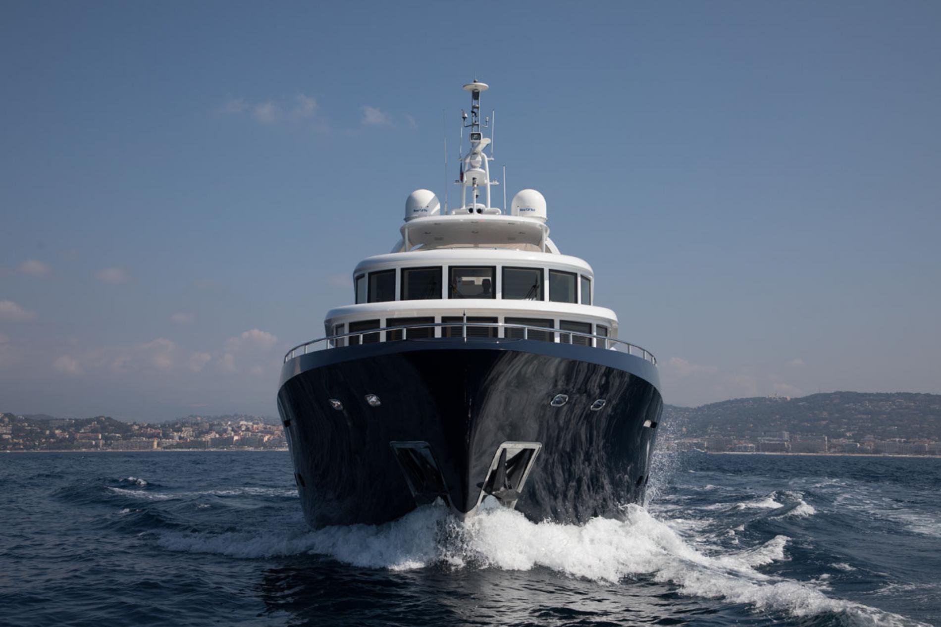 BELLE ISLE - Luxury Motor Yacht For Sale - Exterior Design - Img 1   C&N