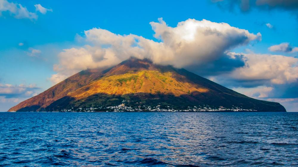 Naples to Palermo - STROMBOLI TO PANAREA - Luxury Charter Itinerary | C&N