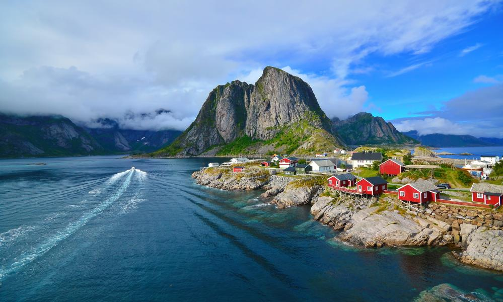 Norway & Svalbard - The Lofoten Islands - Luxury Charter Itinerary | C&N