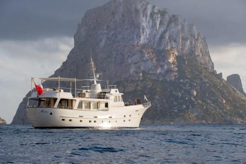 MONARA - Luxury Motor Yacht For Charter - Exterior Design - Img 1 | C&N