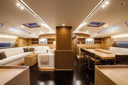 SHAMANNA - Luxury Sailing Yacht For Charter - Interior Design - Img 2 | C&N