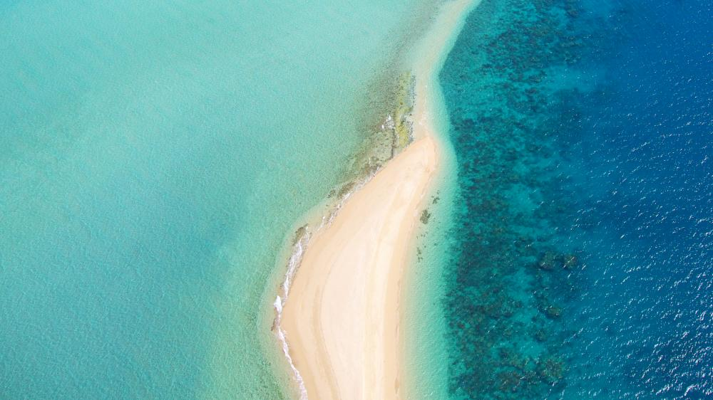 Australia - Double Island to Escape Reef - Luxury Charter Itinerary | C&N