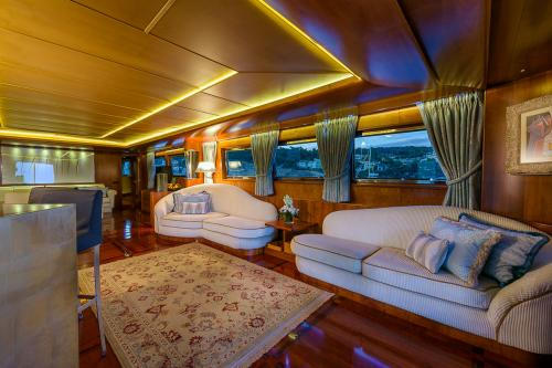 CD TWO - Luxury Motor Yacht For Charter - Interior Design - Img 3 | C&N