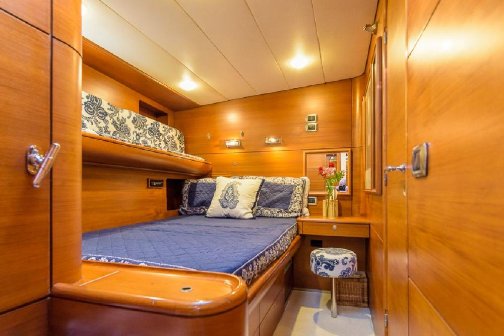 ZANZIBAR - Luxury Sailing Yacht For Sale - 1 MASTER CABIN | 2 GUEST CABINS - Img 4 | C&N