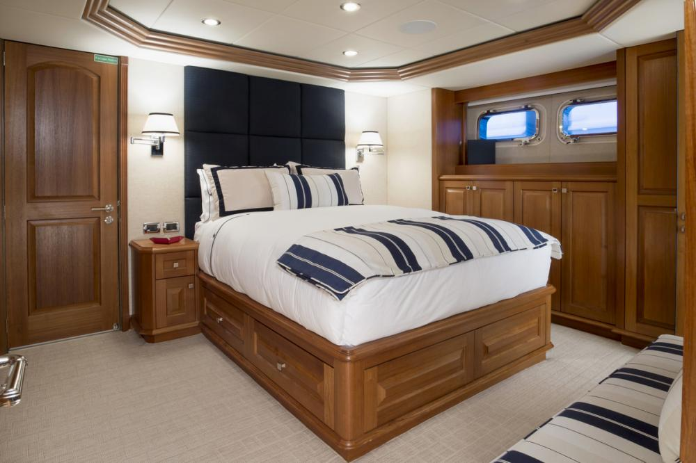 BLU 470 - Luxury Motor Yacht For Charter - 2 DOUBLE CABINS - Img 1 | C&N