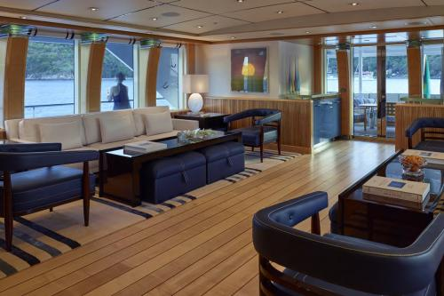 VICTORIA DEL MAR - Luxury Motor Yacht For Charter - Interior Design - Img 1 | C&N