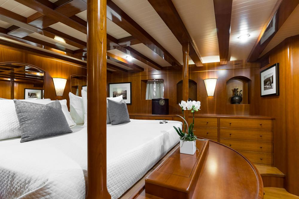 OVER THE RAINBOW - Luxury Motor Yacht For Charter - 1 MASTER CABIN - Img 2 | C&N