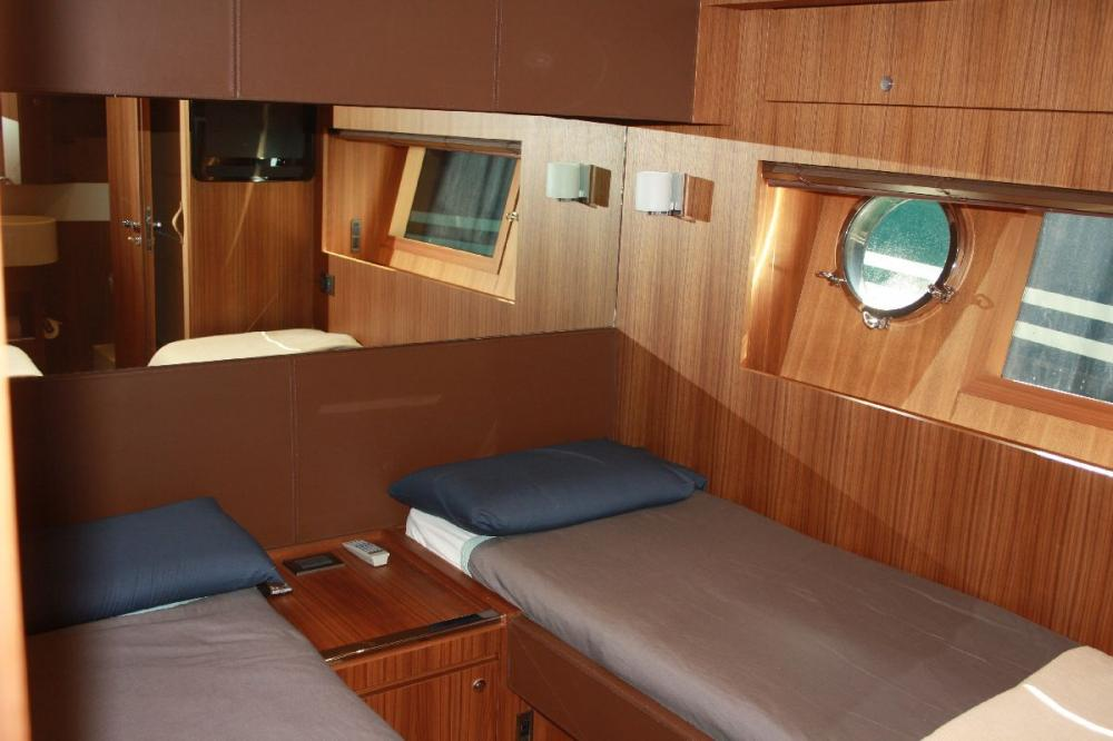 TAURUS - Luxury Motor Yacht For Sale - 2 TWIN CABIN - Img 2 | C&N