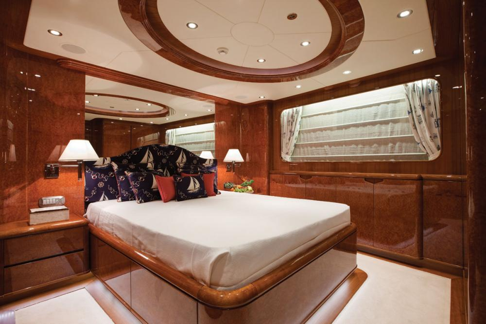 BARON TRENCK - Luxury Motor Yacht For Charter - 1 VIP | 1 DOUBLE CABIN - Img 2 | C&N