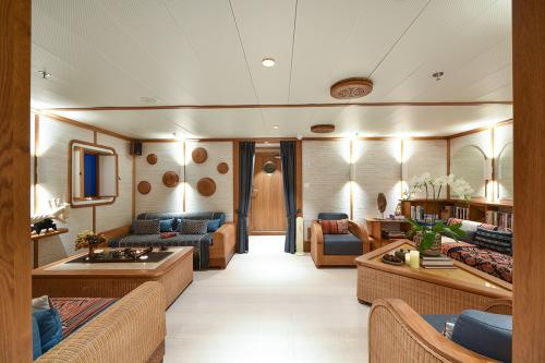 KUDANIL EXPLORER - Luxury Motor Yacht For Charter - Interior Design - Img 2 | C&N