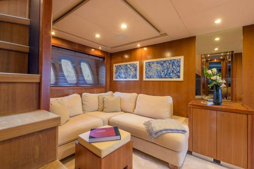 CASINO ROYALE - Luxury Motor Yacht For Charter - Interior Design - Img 4 | C&N