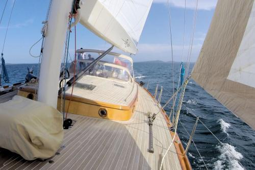 DON JUAN OF LONDON - Luxury Sailing Yacht For Sale - Exterior Design - Img 1 | C&N