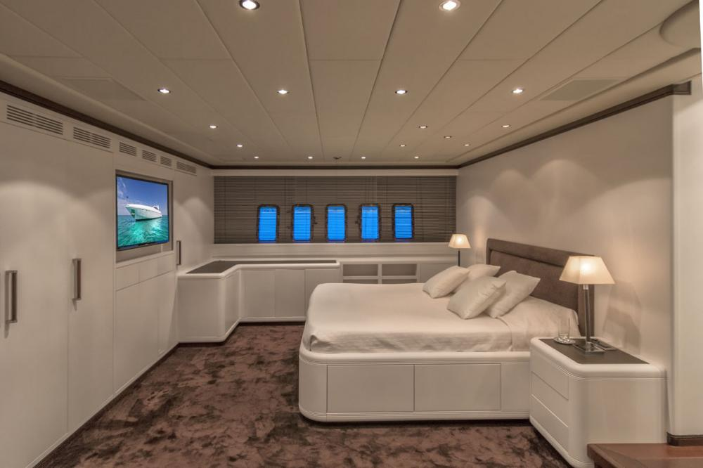 FOUR FRIENDS - Luxury Motor Yacht For Sale - 3 VIP CABINS | 1 GUEST CABINS - Img 1 | C&N