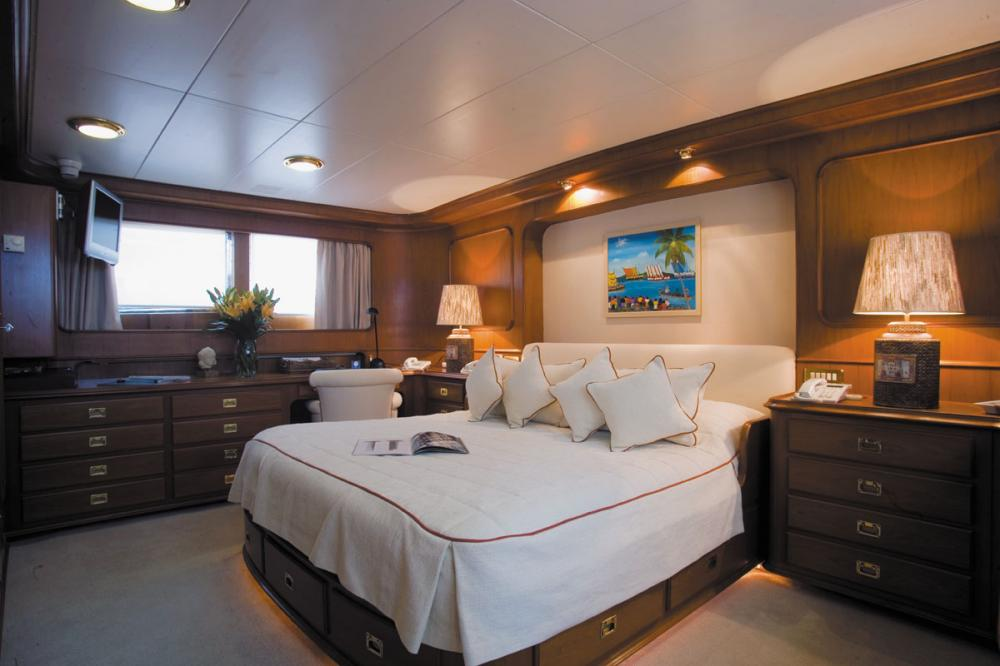 HAPPYSSIMA DEI GALLI - Luxury Motor Yacht For Sale - 1 MASTER CABIN | 3 GUEST CABINS - Img 1 | C&N