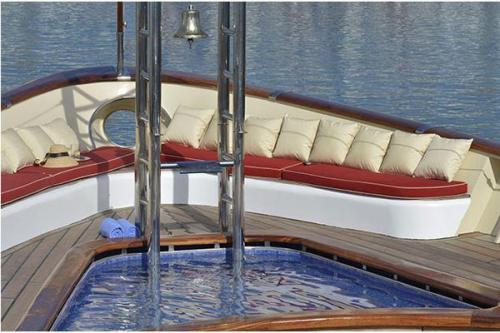 LA SULTANA - Luxury Motor Yacht For Sale - Exterior Design - Img 2 | C&N