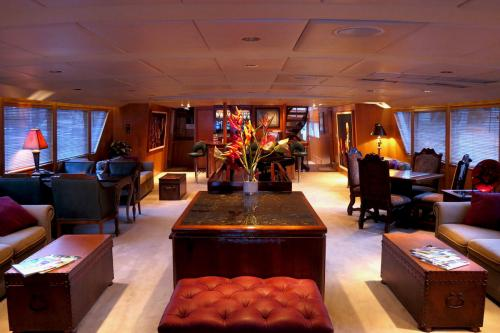 LE MONTRACHET - Luxury Motor Yacht For Charter - Interior Design - Img 1 | C&N
