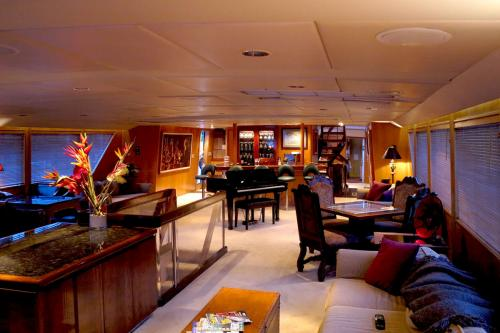 LE MONTRACHET - Luxury Motor Yacht For Charter - Interior Design - Img 2 | C&N