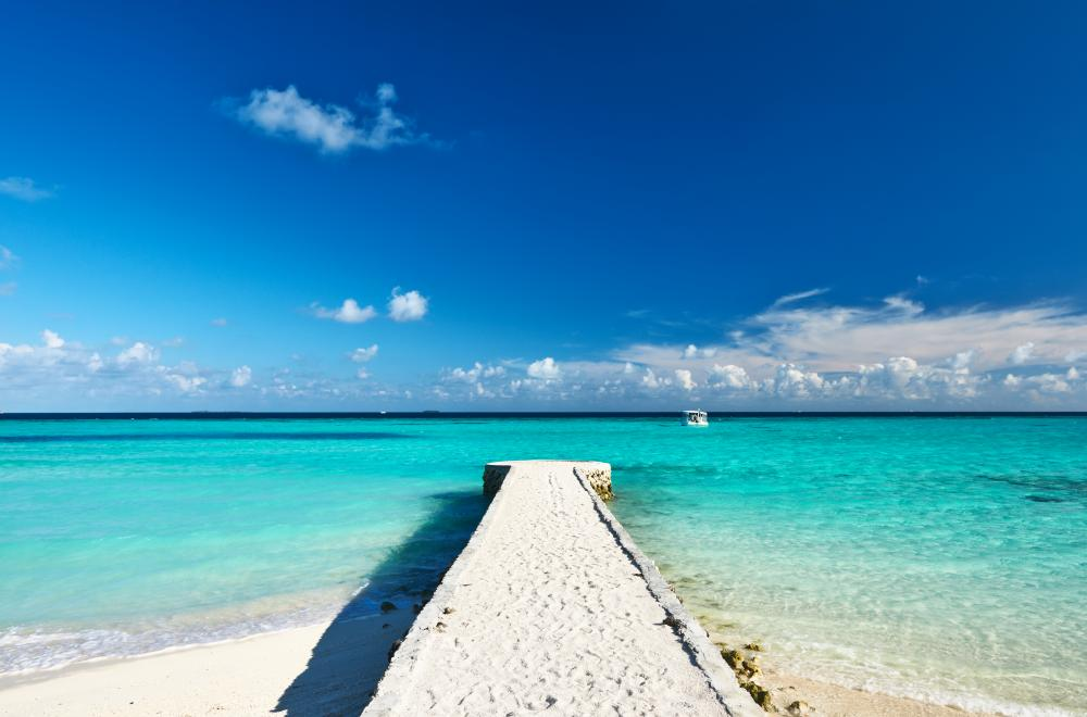 The Maldives - SOUTH MALE ATOLL - Luxury Charter Itinerary | C&N
