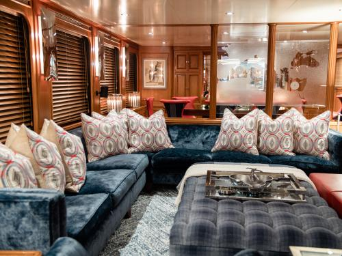 CHESELLA - Luxury Motor Yacht For Charter - Interior Design - Img 3 | C&N