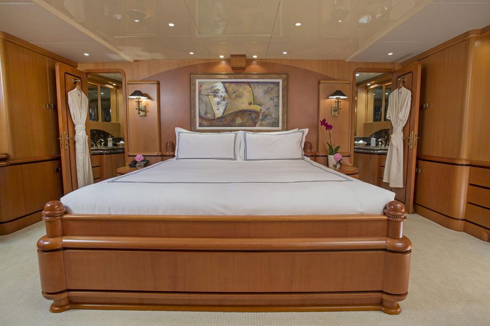SAVANNAH - Luxury Motor Yacht For Charter - 1 MASTER CABIN - Img 2 | C&N