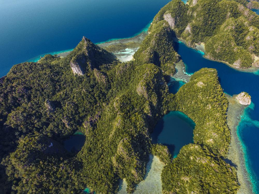 South Raja Ampat - MISOOL TO FIABECET - Luxury Charter Itinerary | C&N