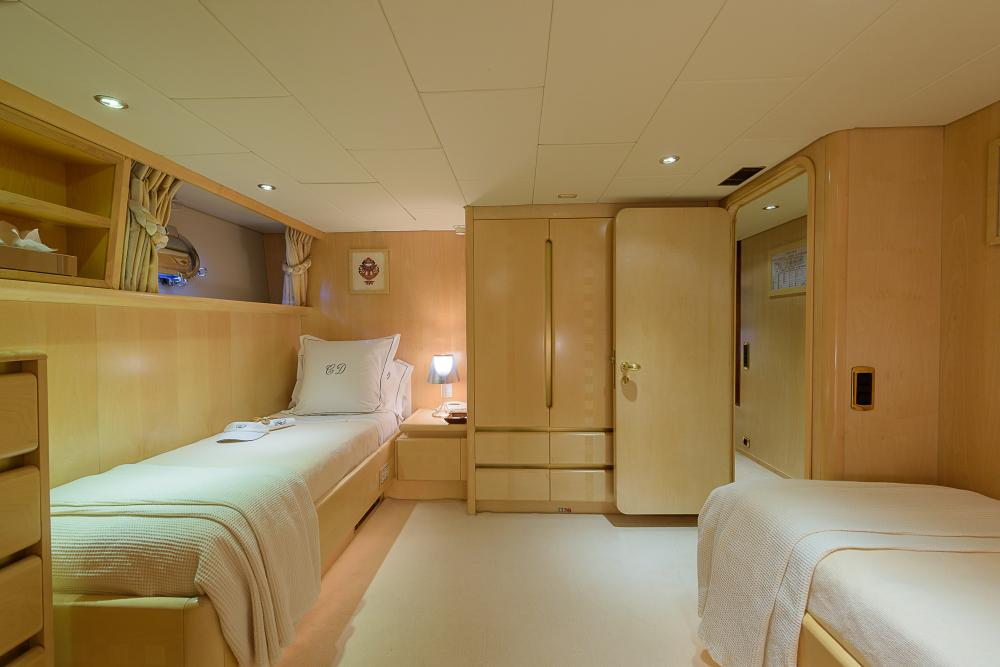 CD TWO - Luxury Motor Yacht For Charter - 3 TWIN CABINS - Img 1 | C&N