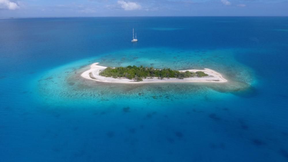 South Pacific - TOAU TO APATAKI - Luxury Charter Itinerary | C&N
