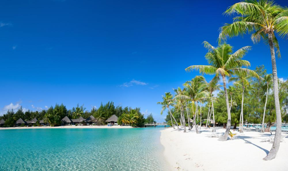 South Pacific - RANGIROA TO BORA BORA - Luxury Charter Itinerary | C&N