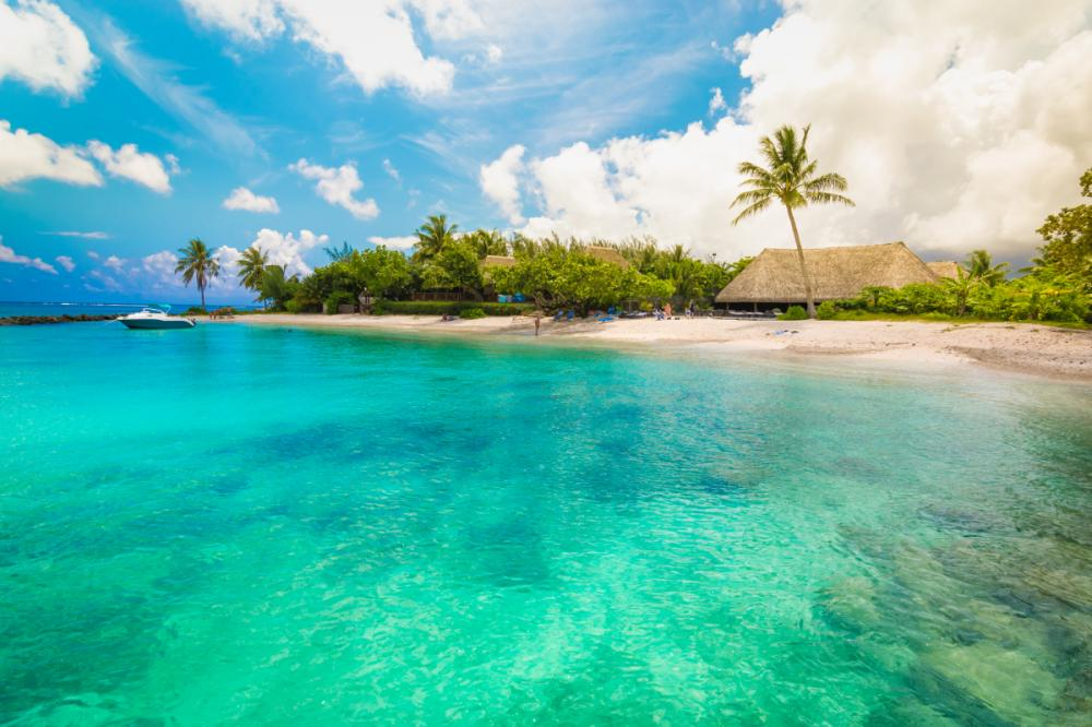 South Pacific - RAIATEA TO HUAHINE - Luxury Charter Itinerary | C&N