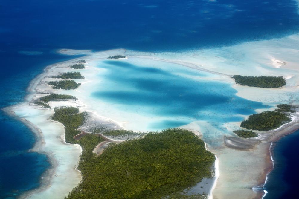 South Pacific - APATAKI TO RANGIROA - Luxury Charter Itinerary | C&N