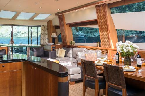 CASINO ROYALE - Luxury Motor Yacht For Charter - Interior Design - Img 2 | C&N
