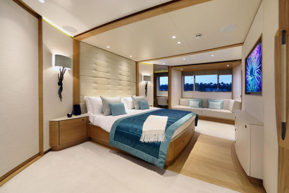 SOLIS - Luxury Motor Yacht For Charter - 1 MASTER CABIN - Img 2 | C&N