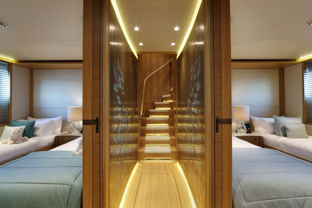 SOLIS - Luxury Motor Yacht For Charter - 2 TWIN CABINS - Img 1 | C&N