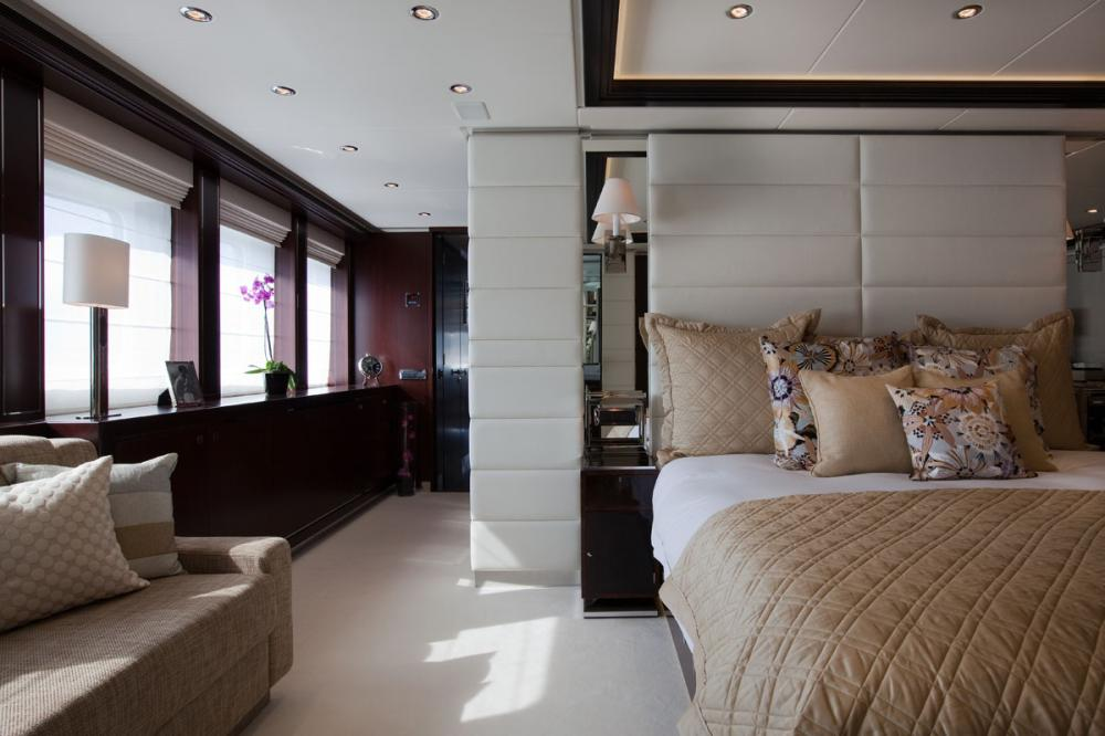 PERLE NOIRE - Luxury Motor Yacht For Sale - 1 MASTER CABIN - Img 3 | C&N