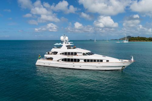 TOUCH - Luxury Motor Yacht For Charter - Exterior Design - Img 2 | C&N